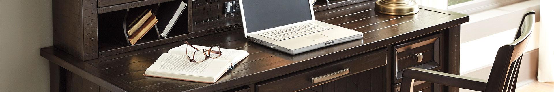 Desks, shelves and storage solutions